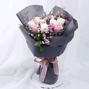 鲜花/Hello女神:八枝白玫瑰三枝粉玫瑰 花 语:认真的喜欢,最特别的