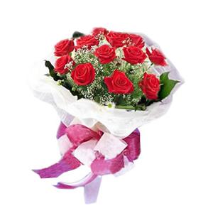 鲜花/生日祝福:靓丽红色玫瑰12枝 包 装:淡紫色绵纸圆形围裹,纱