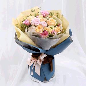 鲜花/国色天香: 8枝香槟玫瑰,8枝粉玫瑰。  [包 装]:韩