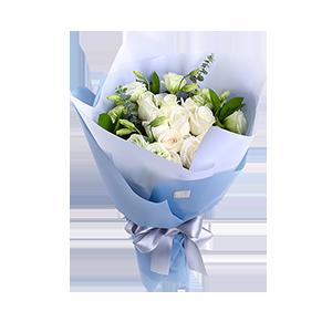 鲜花/纯真的友谊:11枝雪山白玫瑰,绿色配草随机搭配 花 语:纯洁,