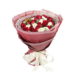鲜花/喜欢你:19枝精选红玫瑰和10枝白色洋牡丹 包 装:酒红色
