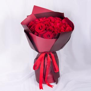 鲜花/女王:33枝红玫瑰精美韩式包装 花 语:让我守护你,我的