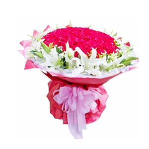 鲜花/幸福相依:99枝红玫瑰,10枝多头白百合。 包 装:红色瓦楞