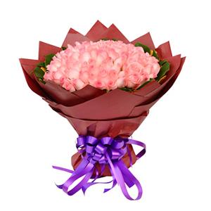 鲜花/嫁给我吧:108枝粉玫瑰 包 装:黄色皱纹纸内衬,外围深红色
