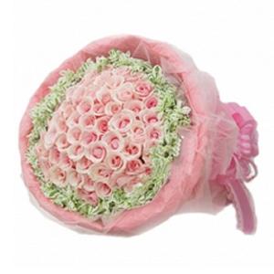 鲜花/做我的新娘:99支戴安娜粉玫瑰 包 装:外围一圈高山积雪,粉红