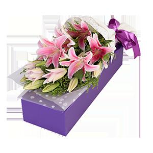 鲜花/粉色香水百合:匠心设计,9朵香水百合 包 装:高档礼盒包装,赠送