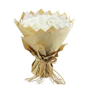 鲜花/爱你在心口难开:33枝精品白玫瑰 包 装:白色棉纸内衬,多层牛皮纸