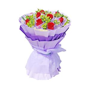 鲜花/你是我的唯一:11枝精品红玫瑰 包 装:淡黄色瓦楞纸围边,深、浅