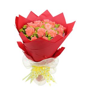 鲜花/爱在身边:18枝粉玫瑰  包 装:红色皱纹纸圆形精美包装,白