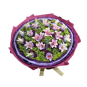 鲜花/爱的祝福:19朵粉百合,蓝色斑点棉纸,深紫色纱网双层独立包装