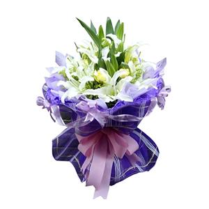 鲜花/温馨祝愿:9枝白色多头香水百合,6枝黄色康乃馨 包 装:紫色