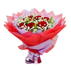 鲜花/唯爱一生:9枝红玫瑰 包 装:紫色、红色棉纸包装,紫色丝带束