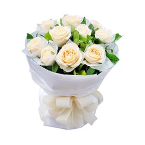 鲜花/课桌上的秘密:11枝香槟玫瑰单独包装。 配材:绿叶丰满 花 语: