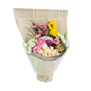 鲜花/你的温柔:11枝香槟玫瑰、19枝粉色花边康乃馨、2枝向日葵