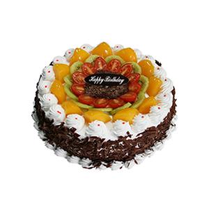 蛋糕/圈圈爱: 圆形鲜奶水果蛋糕,时令水果装饰,巧克力碎片围边