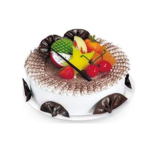 蛋糕/水果巧克力情: 圆形鲜奶水果蛋糕,中心放各色时令水果,扇形巧克