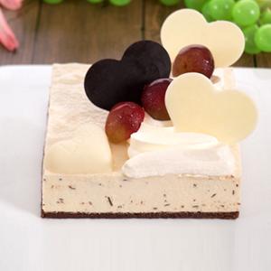 蛋糕/天鹅芝士: 新鲜奶酪,巧克力片搭配时令水果  [包 装]
