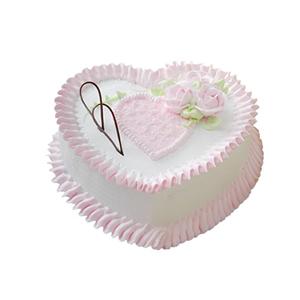 蛋糕/粉色迷情: 心形鲜奶蛋糕,粉色鲜奶玫瑰花、巧克力片装饰