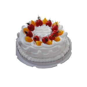 蛋糕/幸福的脚印: 圆形鲜奶蛋糕,黄桃、圣女果、奶油花装饰。