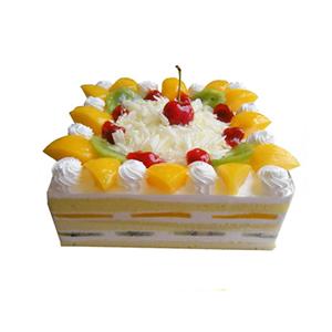 蛋糕/金色烂漫: 方形鲜奶水果蛋糕,时令水果装饰,中间撒有巧克力