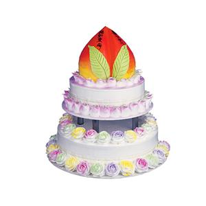 蛋糕/松柏长青: 寿桃加两层蛋糕,最上层做成蟠桃,彩色奶油花围边