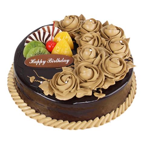 蛋糕/一生的爱: 圆形巧克力蛋糕,巧克力色奶油花装饰,水果片点缀