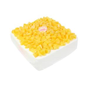 蛋糕/沐浴阳光: 方形鲜奶水果蛋糕,黄桃果肉丰满铺面。  [包