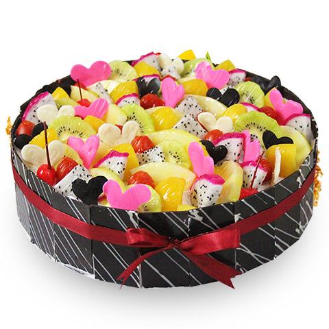 蛋糕/缤纷盛果: 圆形欧式水果蛋糕,各色水果饱满装饰,纯手工巧克