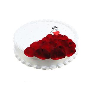 蛋糕/我的女王: 圆形鲜奶蛋糕,新鲜玫瑰花瓣艺术装饰。  [包