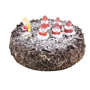 蛋糕/圣诞老人的礼物: 圆形鲜奶蛋糕,巧克力碎屑铺面,小雪人点缀其上。