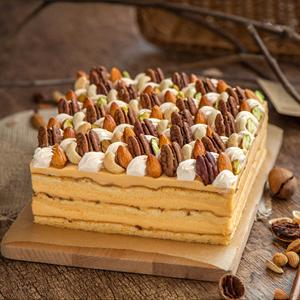 蛋糕/坚果慕斯: 坚果,慕斯,巧克力屑  [包 装]:高档礼盒