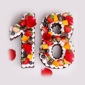 蛋糕/网红数字蛋糕: 巧克力软绵蛋糕胚,草莓、蓝莓、黄桃、巧克力威化