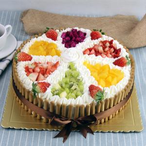 蛋糕/快乐无限:原材料:牛奶鸡蛋胚,优质奶油,新鲜时令水果,拇指饼干围边