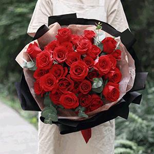 鲜花/只给你宠爱:29枝红玫瑰 花 语:红衣佳人白衣友,朝与同歌暮同