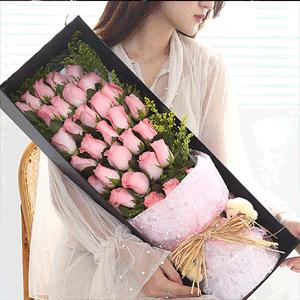 鲜花/一眼万年:33枝粉色玫瑰礼盒 花 语:一眼万年,深情不减